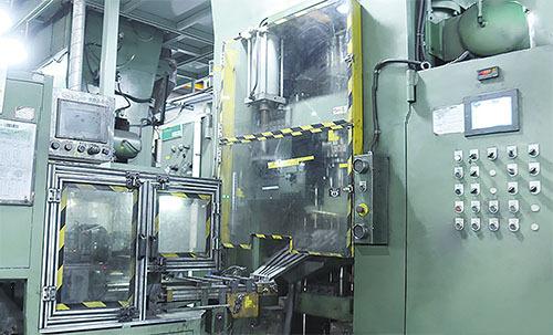 大型柴油機導管機械式全自動成型技術
